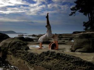 Flo_at_Samana_yoga_center-360x270
