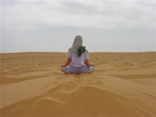 r_sitting_sand