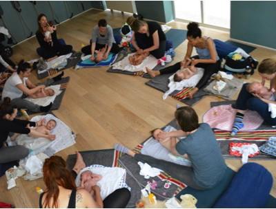 Postnatale Yoga & babymassage