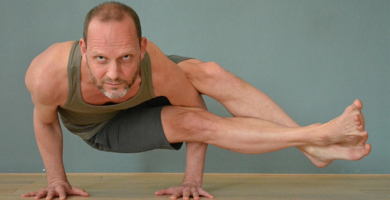 Banner Mannen Yoga